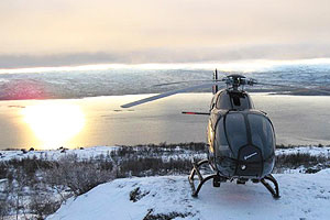 Helikopter på fjälltoppen